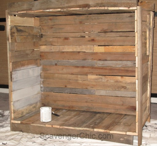 Pallet Wood Family Photo Backdrop, Unique Family Photo Ideas