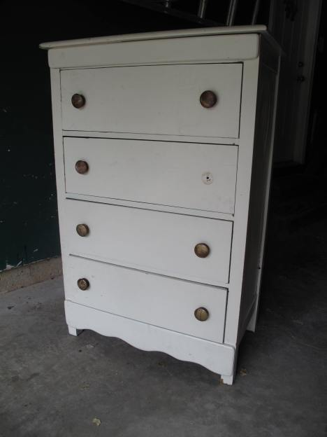 Curbside Rescue, Chest of Drawers, Dresser chalk paint makeover