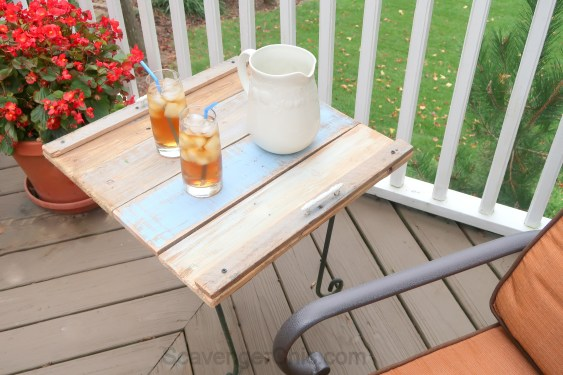Upcycled Plant Stand and Pallet Wood Outdoor Side Table Easy DIY-008