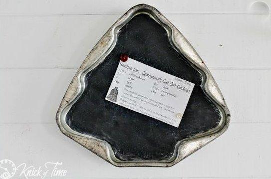 Homemade and DIY Gifts - Cake Pan Chalkboard or Memo board