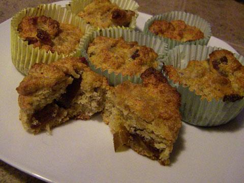 SCD Recipe: Fluffy Date Cupcakes