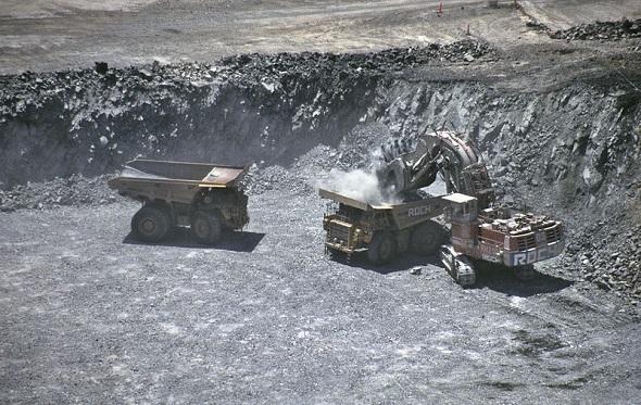800px-Super_Pit_Gold_Mine,_Kalgoorlie-Boulder_1