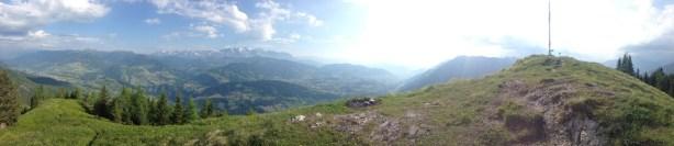 Panoramabild vom Gipfel des Rauchkögerls.
