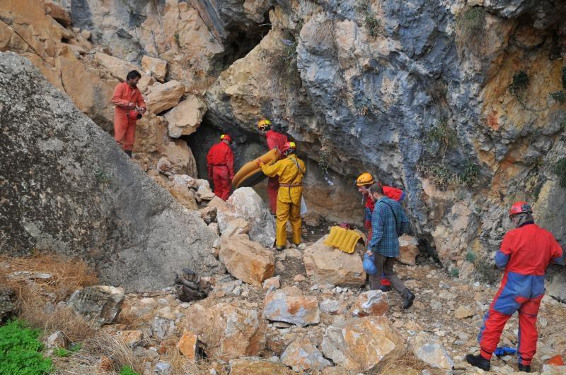 Vchod do jaskyne Záver