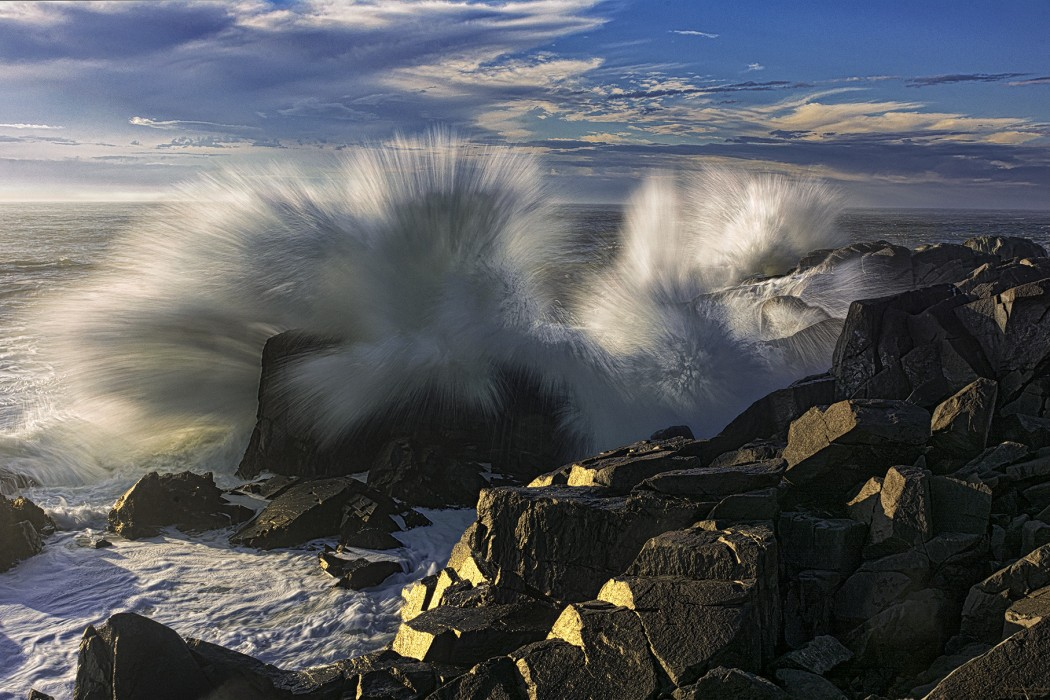 Side-Lit-Wave-Crashing-Ashore-2260-n-68ss-1050x700