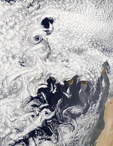 Mesoscale ocean eddies impact weather