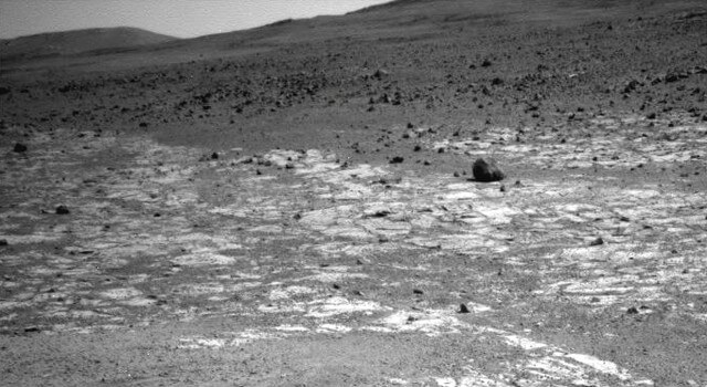 Mars Rover Opportunity Working at Edge of 'Solander'