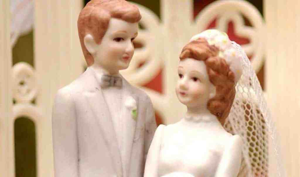 ​Even thinking about marriage gets young people to straighten up