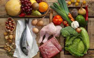 'Mediterranean' diet linked to lower risk of heart attacks & strokes in heart patients