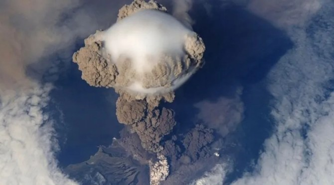 Volcano eruption aerosols