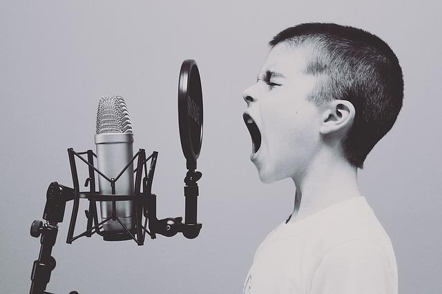 The science of singing - boy singing