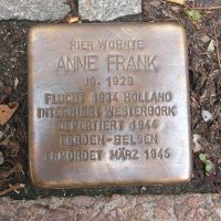 Nous rendons le Journal d'Anne Frank au domaine public ! Serez-vous des nôtres ?