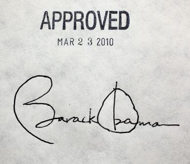 Obama-Obamacare-Signature