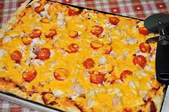 Puff Pizza Chicken and Tomato 1