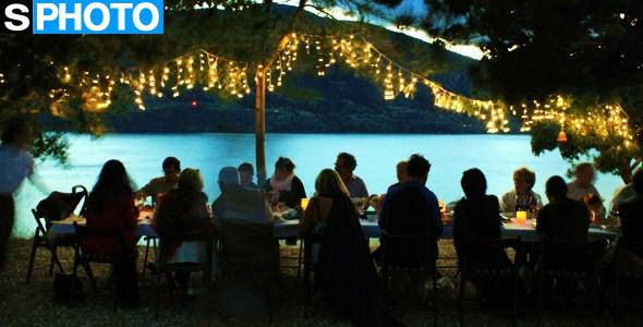 "GOODS | Al Fresco, Gatsby-Themed Bubbly Supper With ""Joy Road"" In Kaleden July 18"