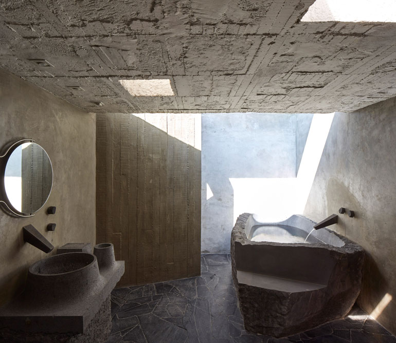 pedro-reyes-house-architecture-mexico-city_dezeen_2364_col_9