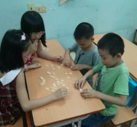 students_playing_a_word_game