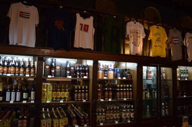 ラム酒工場、サンティアゴ・デ・クーバの風景 【キューバ Cuba】