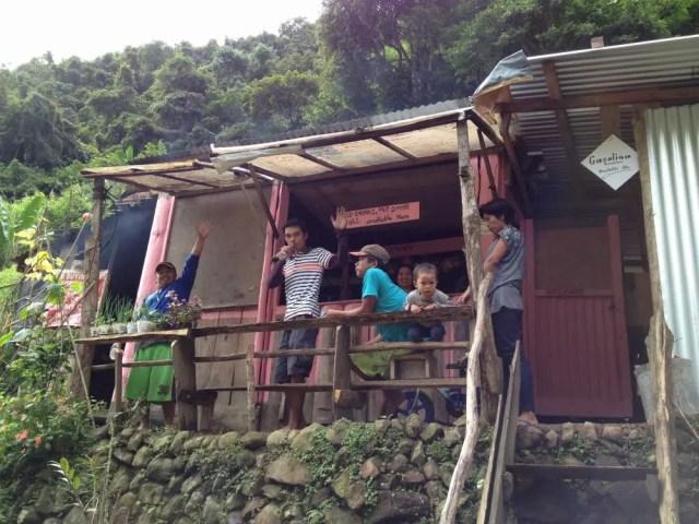 フィリピン、バナウェ。バナウェ、ガイドの運ちゃん