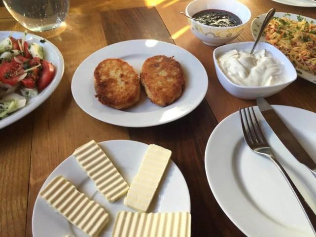 メスティアの宿「オールド・ハウス」の朝食【ジョージア(グルジア)Georgia:საქართველო】