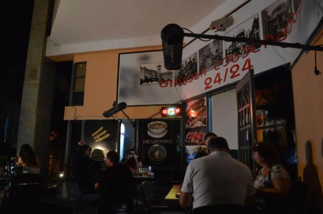 トビリシ、コテ・アブハズィ通りのレストランで夕食【ジョージア(グルジア)Georgia:საქართველო】