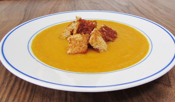 carrot ginger soup (1024x595)