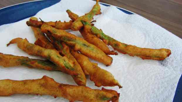 Green bean fries - deep fried green beans in a spicy batter