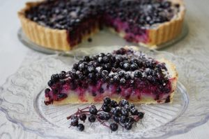 elderberrytart_slice_tart650_433