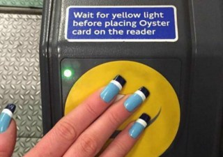 oyster-card-nails