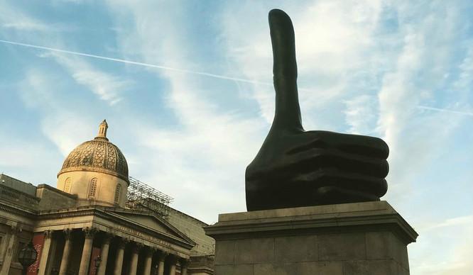 thumbs-up-london-david-shrigley-art