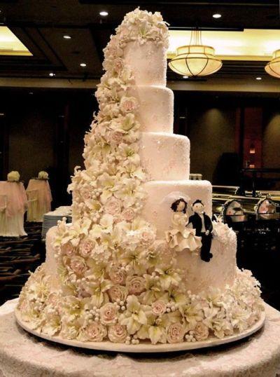 5 layers Wedding Cakes by LeNovelle Cake | Bridestory.com