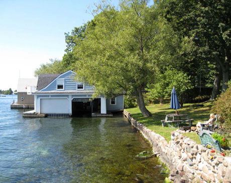 outside-living-boathouse