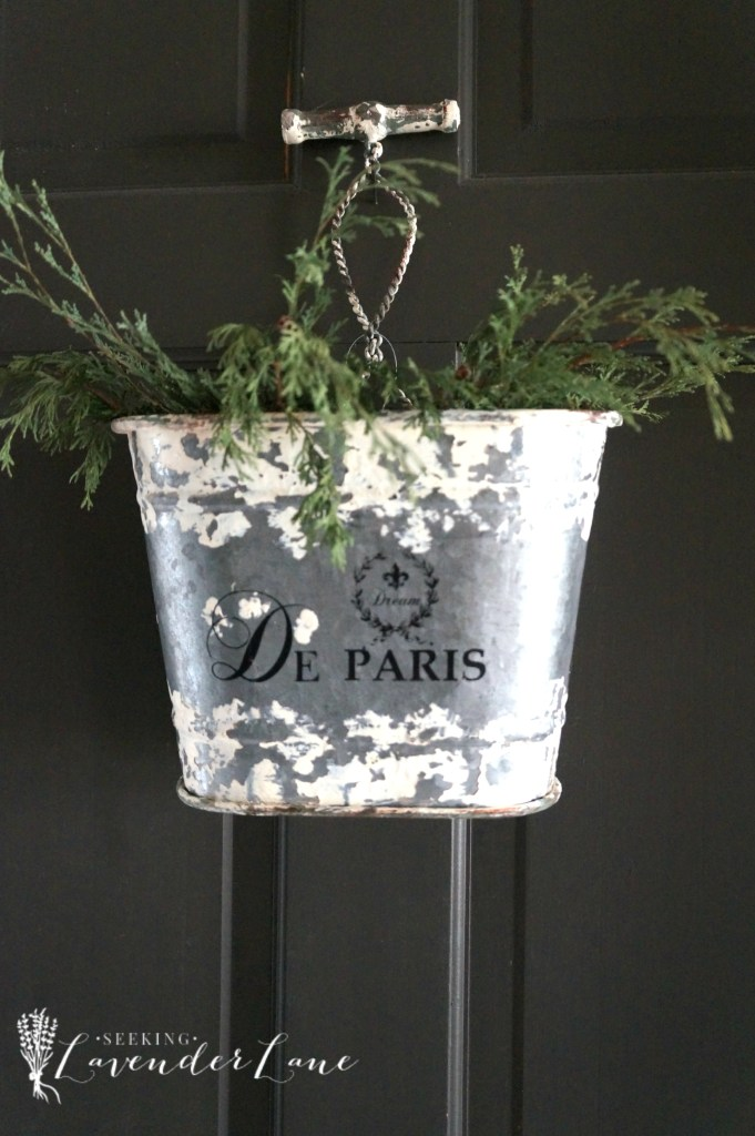 Paris Bucket and trimmings