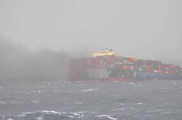 MOL; Schiffsunglück, auseinander gebrochen