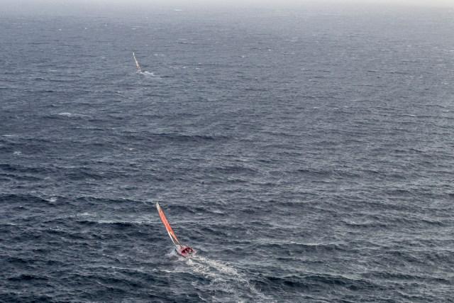 Dongfeng hinter Alvimedica. © Ainhoa Sanchez /Volvo Ocean Race