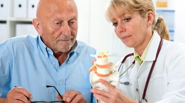 Foto   http://careinfo.in/2016/09/osteoporosis-treatment/