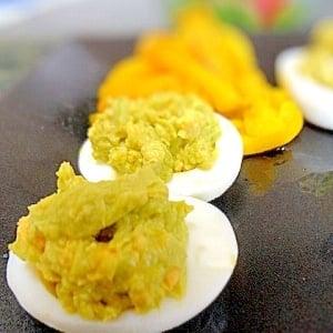ゆで卵をデコって作るアメリカおつまみの定番!デビルド・エッグ
