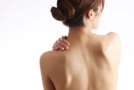 肩甲骨を動かして脂肪燃焼!コリもほぐれる簡単ダイエット法