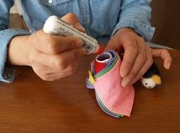 100円ショップ商品で「羊毛フェルトのおひな様」が簡単に!!