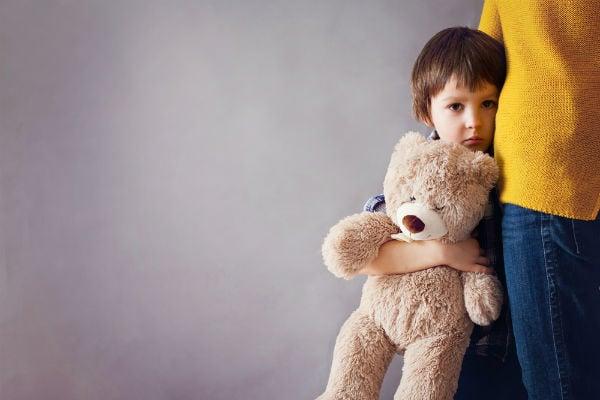 「片づけしないとテレビ見られないよ」はNG!子供の可能性を奪う親の叱り方
