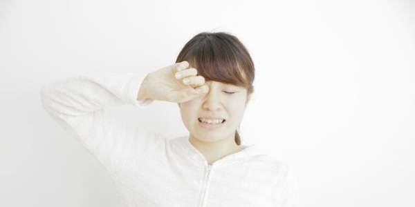 目が充血してかゆい…春に気をつけたい目の正しいケア方法を教えて!