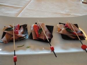 smoked tuna with strawberries