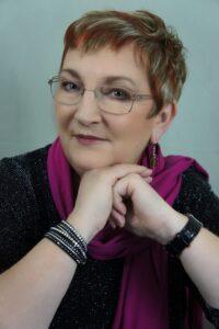 Headshot of Elizabeth Ducie