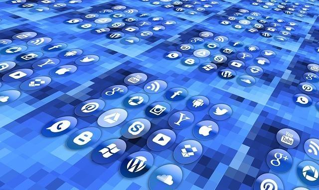 korzystaj z social media