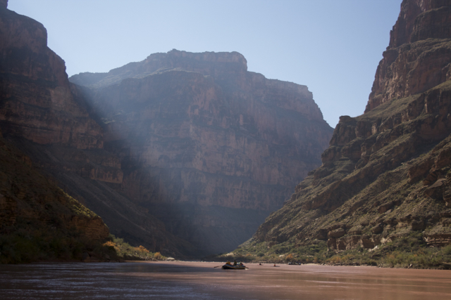 grand-canyon-rafts1