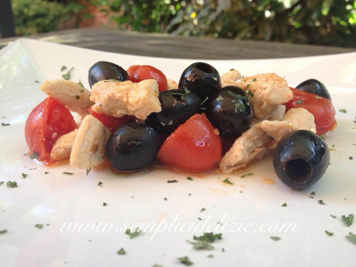 Straccetti di Tacchino, pomodorini e olive