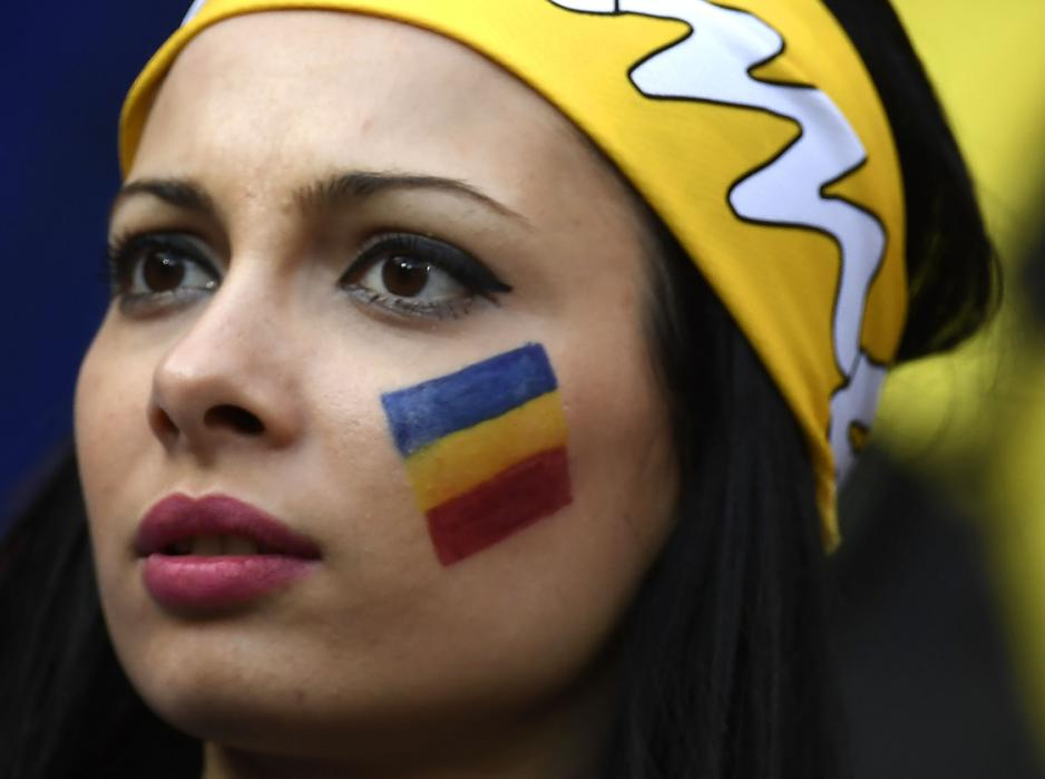 A Romania supporter is pictured ahead the Euro 2016 group A football match between Romania and Albania at the Parc Olympique Lyonnais stadium in Lyon on June 19, 2016. / AFP PHOTO / jeff pachoud