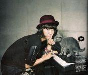 Park Shin Hye Gets Catty