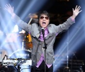 Spotlight: Cho Yong-pil Bounces Back