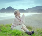 "Taeyeon and New Zealand Impress in ""I"""